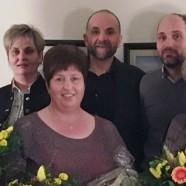 Drei strahlende Gewinner beim Aisttaler-Weihnachtsgewinnspiel